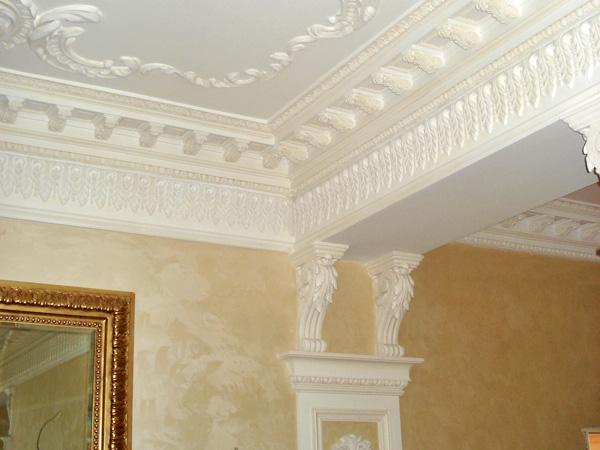 Почему лепнина? Интерьерный декор из пенопласта и полиуретана Украшение лепниной потолка